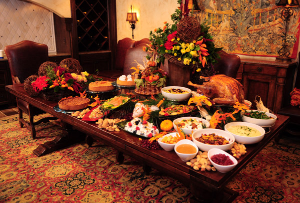 http://wac.450f.edgecastcdn.net/80450F/wblk.com/files/2013/11/Thanksgivinig-Dinner2.jpg
