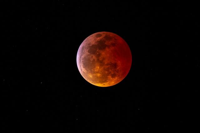 moon0240-hdr